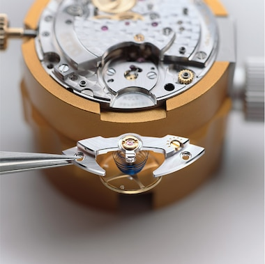 AFTER-SALES SERVICE WATCHMAKERS
