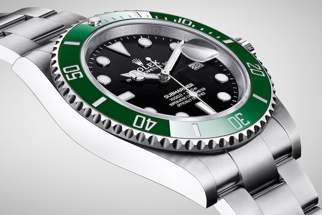 model-page-submariner-date_m126610lv-0002_2001ac_003_large_3