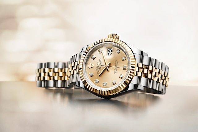 model-page-lady-datejust_96734_7227_lady_datejust_m279173_0011_ambiance_flagship_campaign_pub_iso_large_1