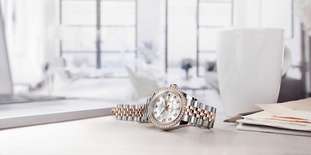 model-page-lady-datejust_m279381rbr-0013_1610jva_001_r_large_4