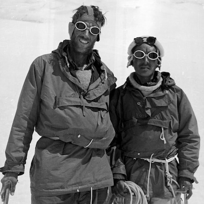 Explorer ภารกิจสำรวจของ Sir Edmund Hillary and Tenzing Norgay